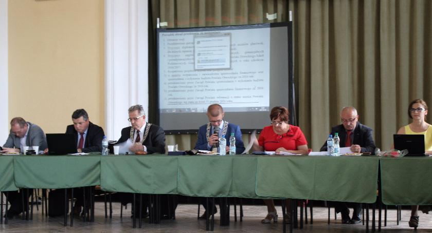 Urzędy, Absolutoria włodarzy otwockich jednostek samorządowych - zdjęcie, fotografia