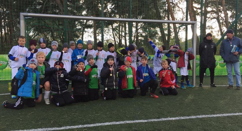 Piłka nożna, Walczą Orzełka - zdjęcie, fotografia