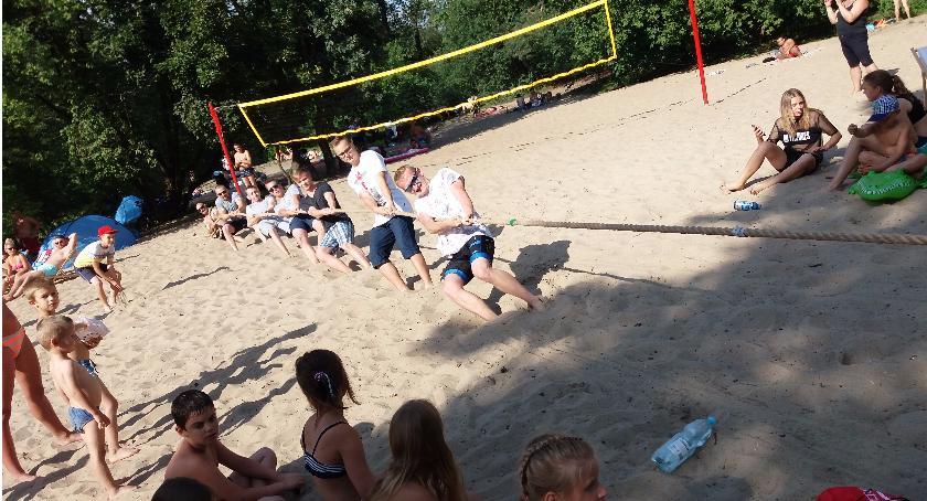 Sporty walki, Zabawy plaży Sokudo - zdjęcie, fotografia