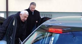 Opel insignia od prezydenta i skoda superb od starosty